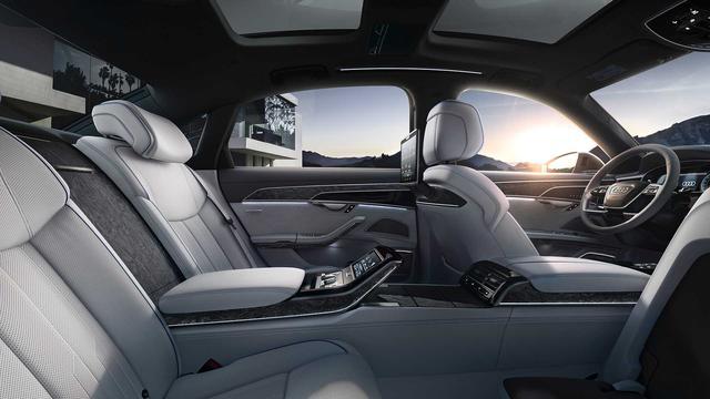Ra mắt Audi A8 L Security: Bọc thép, khó cháy, chống đạn, khử độc, bảo vệ khách VIP - Ảnh 4.