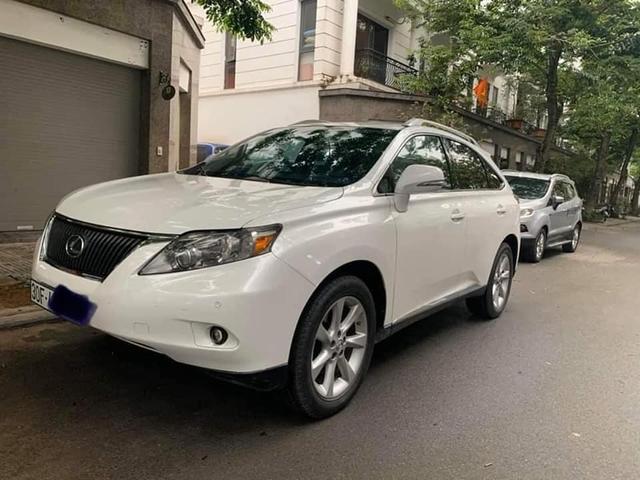 Chạy Lexus RX 350 10 năm rồi bán lại, đại gia Việt vẫn dư tiền sắm mới Mazda CX-8, Hyundai Santa Fe - Ảnh 1.