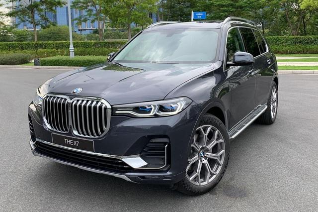 BMW X7 chính hãng lần đầu giảm giá sốc hơn 1 tỷ đồng, chơi lớn đáp trả xe nhập tư - Ảnh 1.