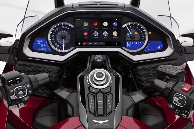 Xe máy Honda giờ có cả Android Auto và Apple CarPlay như ô tô, khởi đầu bằng vua đường trường Gold Wing - Ảnh 1.