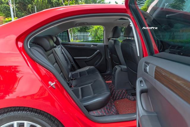 'Toyota Altis của người Đức' bán lại giá 800 triệu đồng: Vừa đi 1 năm, ODO chỉ 11.000km - Ảnh 6.