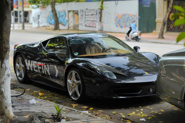 Từng bị nằm phủ bụi, Ferrari 458 Italia bất ngờ tái xuất cùng siêu phẩm Rolls-Royce Phantom độc nhất thế giới - Ảnh 5.