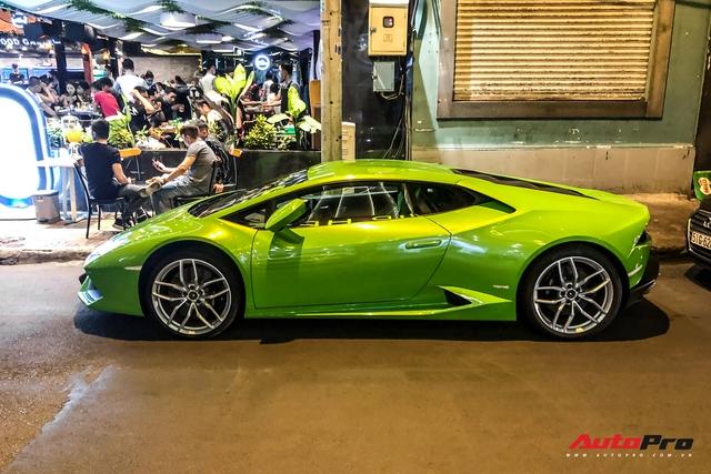 Không tham gia vào hành trình siêu xe, Phan Thành lặng lẽ cầm lái Lamborghini Huracan dạo phố đêm cuối tuần - Ảnh 4.