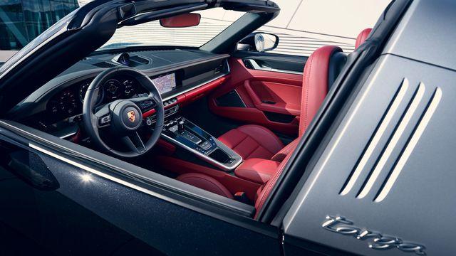 Porsche 911 Targa 2020 chính hãng giá từ 8,24 tỷ đồng tại Việt Nam - Ảnh 3.