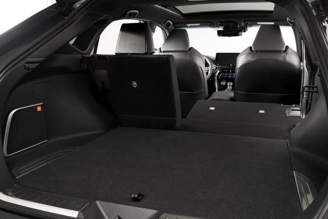 Ra mắt Toyota Venza 2021 - Ngôi sao nhập khẩu SUV 5 chỗ một thời đấu Hyundai Santa Fe - Ảnh 9.