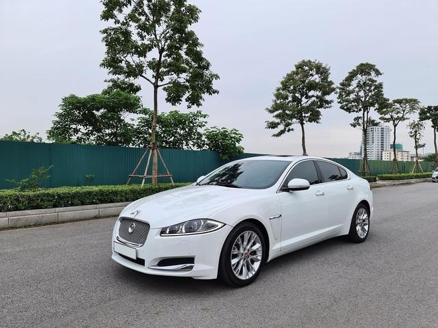 Rẻ chưa từng có, Jaguar XF bán lại với giá Toyota Camry khi vừa chạy 43.000 km - Ảnh 4.