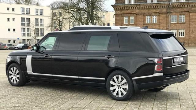 Range Rover phiên bản lạ chào hàng đại gia Việt với giá hơn 19 tỷ đồng: Dài hơn Rolls-Royce Phantom EWB, chống đạn, nội thất siêu sang - Ảnh 2.