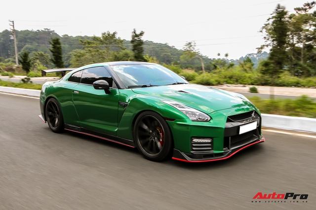 Hậu nâng cấp bodykit hàng hiệu, đại gia Bình Phước lột xác Nissan GT-R R35 với ngoại thất xanh lá - Ảnh 4.