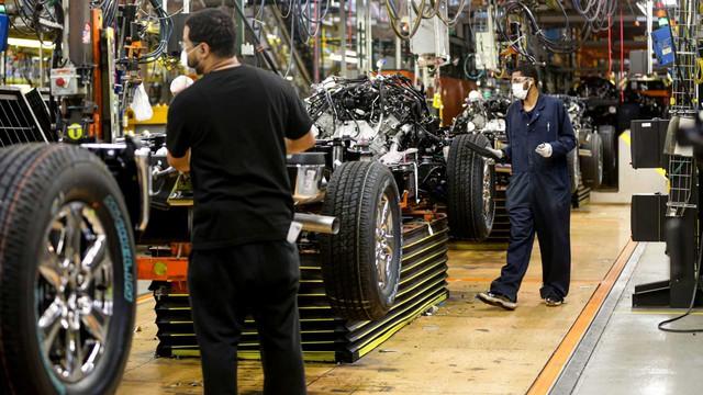 Chưa kịp mừng vì mở cửa nhà máy, Ford cấp tốc đóng cửa trở lại chỉ sau 2 ngày - Ảnh 1.