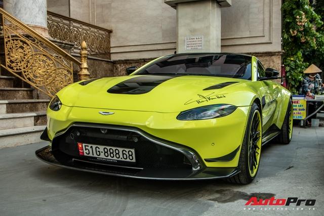 Đại gia Hoàng Kim Khánh đem siêu phẩm Aston Martin V8 dạo phố Sài Gòn sau loạt nâng cấp đáng giá - Ảnh 4.