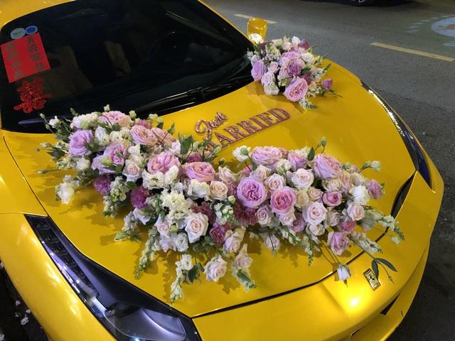 Siêu xe Ferrari 488 mui trần tiền tỷ làm xe hoa tại Sài Gòn - Ảnh 3.