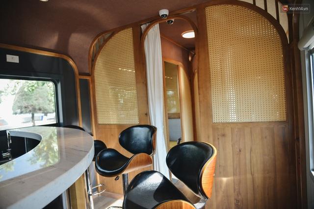 Cận cảnh toa tàu lửa có quầy bar và ghế massage thư giãn đầu tiên ở Việt Nam sắp đón khách - Ảnh 13.