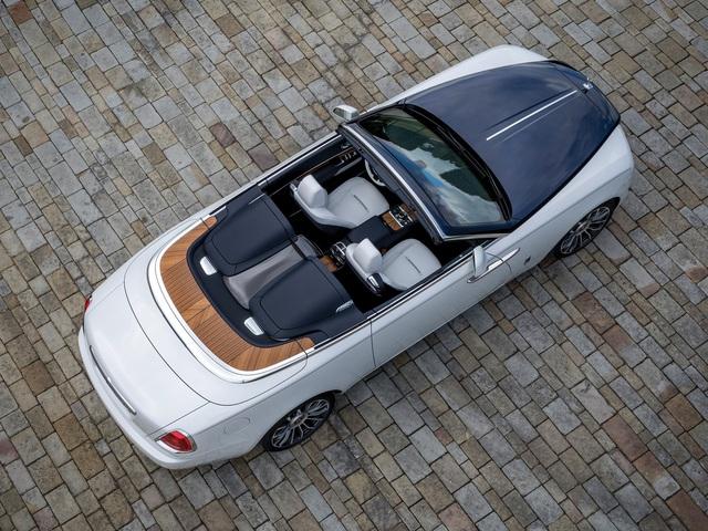 Đây là những lý do làm nên mức giá đắt có 1-0-2 cho xe Rolls-Royce nhưng đại gia nào cũng sẵn sàng rút ví một cách hào phóng nhất - Ảnh 1.