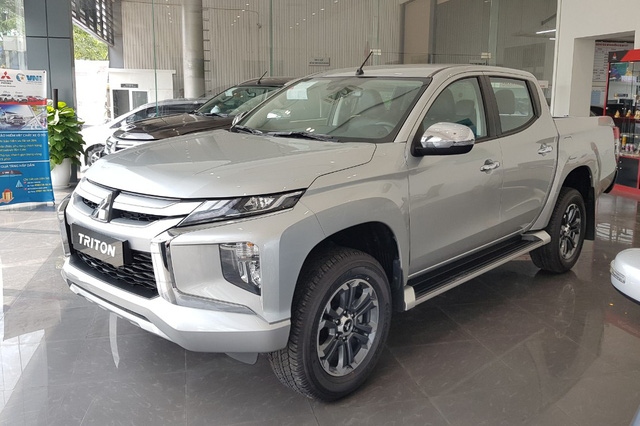 Mitsubishi Triton xả kho, giảm giá kỷ lục gần 140 triệu, rẻ hơn Ford Ranger 70 triệu đồng - Ảnh 2.