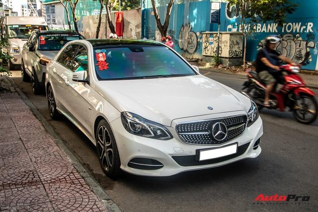Dàn xe khủng giá không dưới 100 tỷ diễu hành rước dâu tại Sài Gòn - Ảnh 9.