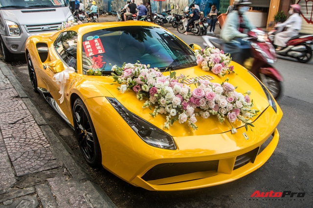 Dàn xe khủng giá không dưới 100 tỷ diễu hành rước dâu tại Sài Gòn - Ảnh 4.