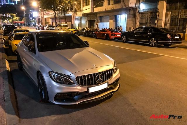 Cường Đô La cùng dàn siêu xe hơn 100 tỷ của giới đại gia Sài Gòn hội ngộ lúc nửa đêm - Ảnh 2.