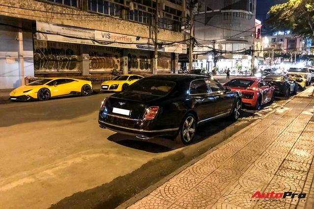 Cường Đô La cùng dàn siêu xe hơn 100 tỷ của giới đại gia Sài Gòn hội ngộ lúc nửa đêm - Ảnh 1.