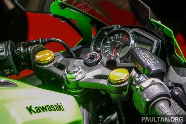 Kawasaki ZX-25R 2020 lộ diện với nhiều thay đổi ấn tượng - Ảnh 4.