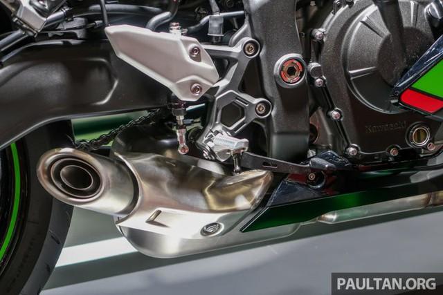 Kawasaki ZX-25R 2020 lộ diện với nhiều thay đổi ấn tượng - Ảnh 9.