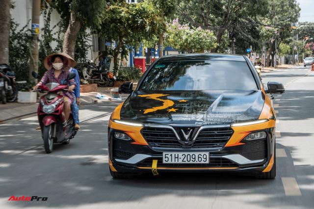 VinFast Lux A2.0 chất chơi của người Sài Gòn: Hạ gầm, độ pô, tăng công suất và lột xác bằng bộ cánh mua bản quyền từ nước ngoài - Ảnh 4.