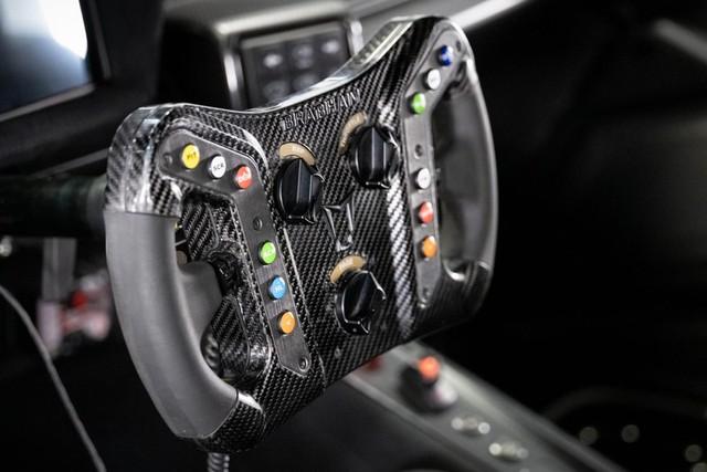 Brabham bàn giao siêu xe BT62 Competition đầu tiên cho khách hàng - Ảnh 12.
