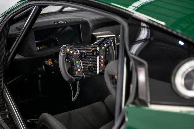 Brabham bàn giao siêu xe BT62 Competition đầu tiên cho khách hàng - Ảnh 8.