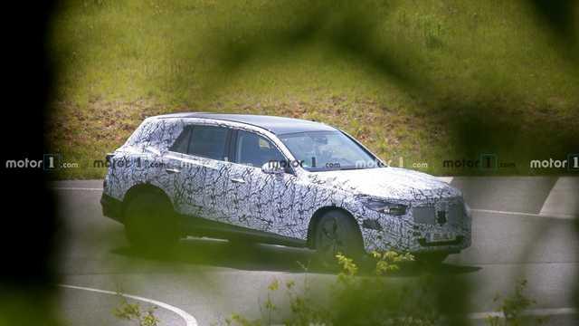 Mercedes-Benz GLC mới lộ mặt với kích thước trội hơn đáng kể - Ảnh 2.
