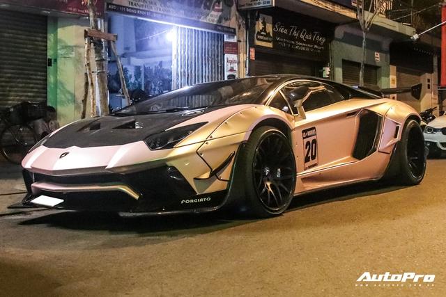 Lamborghini Aventador độ Liberty Walk hàng độc lăn bánh tại Sài Gòn sau gần nửa năm 'trốn dịch' tại Đà Lạt