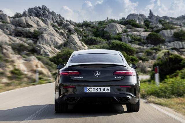 Mercedes-Benz E-Class 2021 phiên bản xe chơi ra mắt, lộ diện cả bản hiệu năng cao E53 AMG - Ảnh 4.