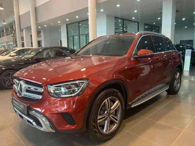 Đại lý vội bán Mercedes-Benz GLC 200 form mới khi vừa trưng bày và chạy chưa được 40km, giá 1,7 tỷ đồng - Ảnh 4.