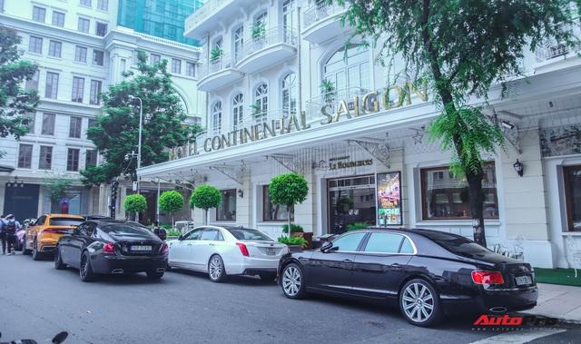 Dàn siêu xe, siêu sang trị giá gần 100 tỷ đồng tụ họp gây náo loạn Sài Gòn - Ảnh 2.