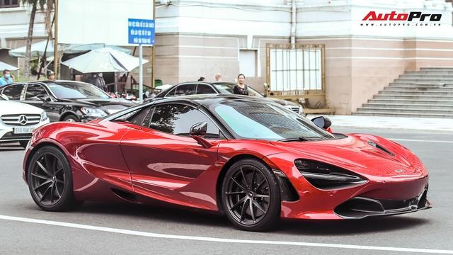 Hứa Hà Phương lần đầu cầm lái McLaren 720S Spider tới thánh địa siêu xe Sài Gòn, hội họp với một siêu phẩm khủng không kém lúc nửa đêm - Ảnh 2.