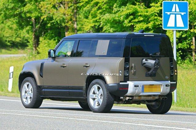 Đây là Land Rover Defender V8 chuẩn bị trình diện đấu vua địa hình Mercedes-AMG G63 - Ảnh 3.