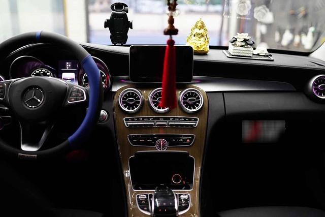 Mercedes-Benz C 250 độ phiên bản C 63 AMG bán lại giá chỉ ngang đàn em C 180 mới ra mắt - Ảnh 4.