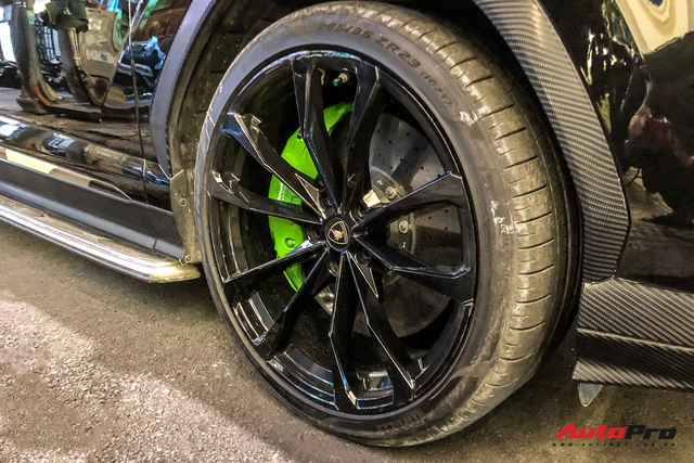 Lamborghini Urus biển số lạ xuất hiện tại Sài Gòn với một chi tiết khác biệt với những chiếc còn lại tại Việt Nam - Ảnh 7.