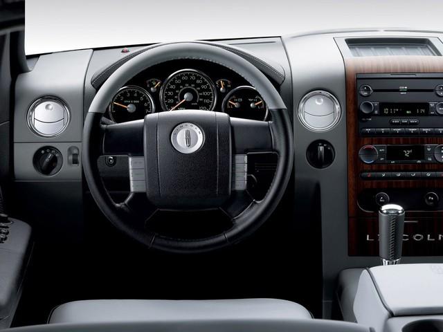 Lincoln Mark LT: Đã tới lúc quay trở lại để đối đầu Tesla Cybertruck, GMC Hummer - Ảnh 4.