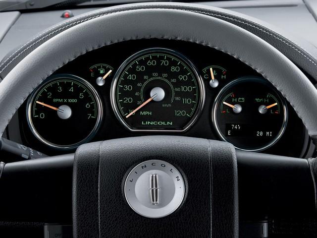 Lincoln Mark LT: Đã tới lúc quay trở lại để đối đầu Tesla Cybertruck, GMC Hummer - Ảnh 5.