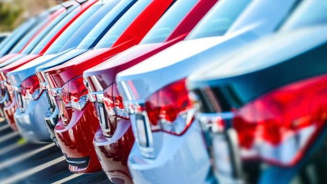 Từng là một trong những thị trường tiêu thụ xe nhiều nhất tại châu Âu nhưng đất nước này đang gặp khó bởi dịch COVID-19 - Ảnh 1.