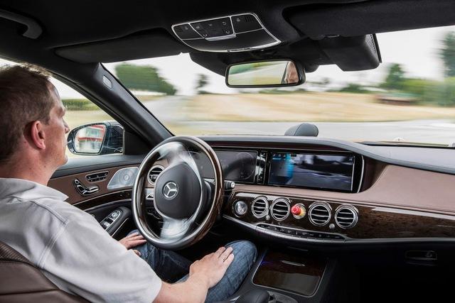 Công nghệ là nguyên nhân đẩy giá trung bình ô tô ngày một cao - Ảnh 2.