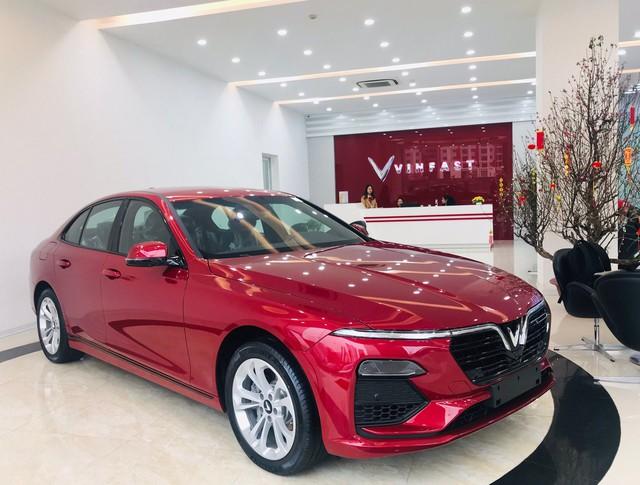 5 lần VinFast gây sốc về giá bán tại Việt Nam: Từ tăng giá đến giảm giá đều tạo sóng - Ảnh 1.