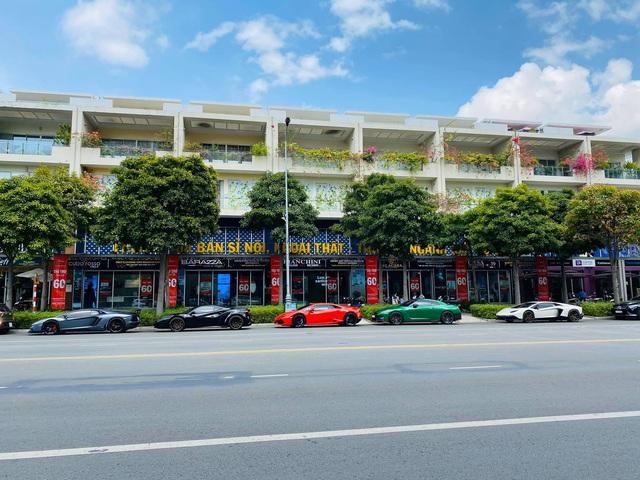 Dàn siêu xe trăm tỷ của giới đại gia Sài Gòn đổ về Đà Lạt: Cường Đô La xuất hiện cùng chiếc Lamborghini đầu tiên Việt Nam - Ảnh 1.