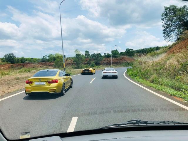 Dàn siêu xe trăm tỷ của giới đại gia Sài Gòn đổ về Đà Lạt: Cường Đô La xuất hiện cùng chiếc Lamborghini đầu tiên Việt Nam - Ảnh 2.