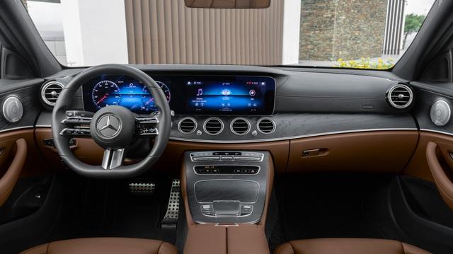 Mercedes-Benz E-Class thế hệ mới lộ vô-lăng cảm ứng siêu nhạy, có tính năng vuốt như iPhone
