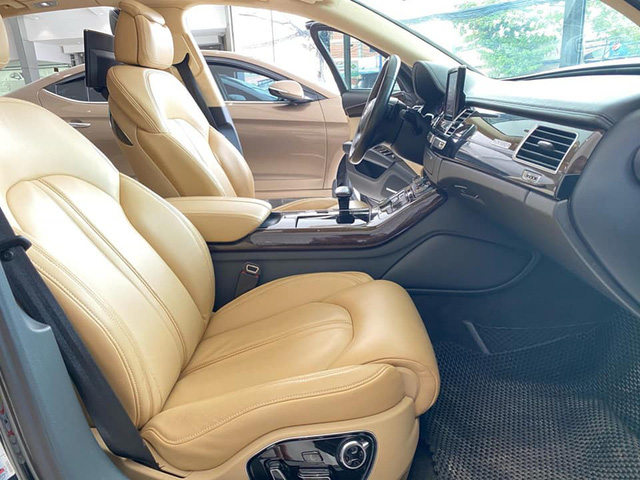 Qua thời đỉnh cao, Audi A8L bán lại chỉ 1,5 tỷ đồng dù treo biển thần tài nhỏ, thần tài lớn - Ảnh 3.