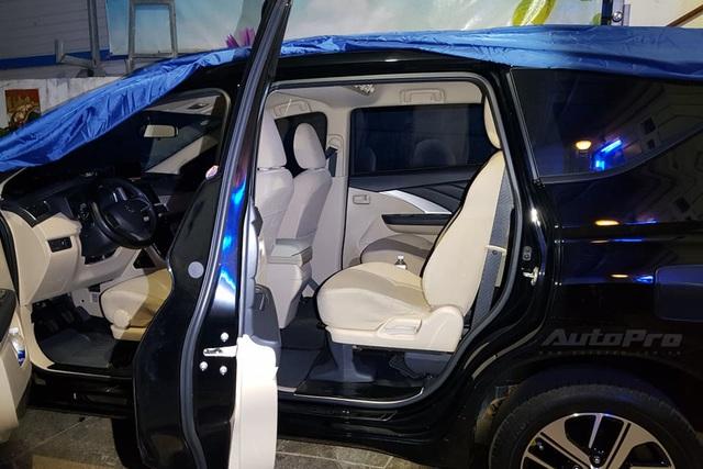 Người dùng Mitsubishi Xpander tự độ ghế sau với 2,6 triệu đồng và 3 tiếng: Trượt, ngả tùy ý, dư hẳn bộ ghế để phòng khách xem phim - Ảnh 1.
