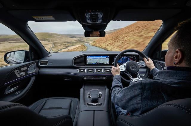 Mercedes-Benz bán option lãi ngang bán xe - Ảnh 1.