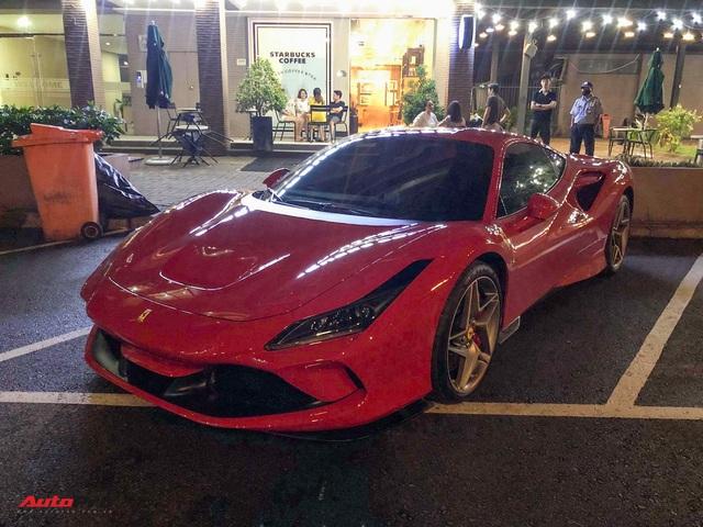 Doanh nhân Nguyễn Quốc Cường và Đàm Thu Trang lần đầu cầm lái Ferrari F8 Tributo xuống phố - Ảnh 1.