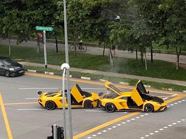 Đại gia Singapore lái Lamborghini Aventador S húc đuôi một chiếc Lamborghini giống hệt xe mình  - Ảnh 1.