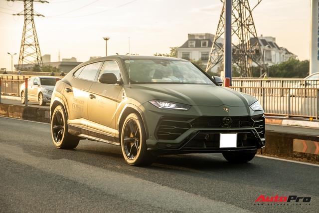 Lamborghini Urus của ông Đặng Lê Nguyên Vũ lần đầu lăn bánh trên đường phố - Ngôi sao của HTTTT 2020 - Ảnh 1.